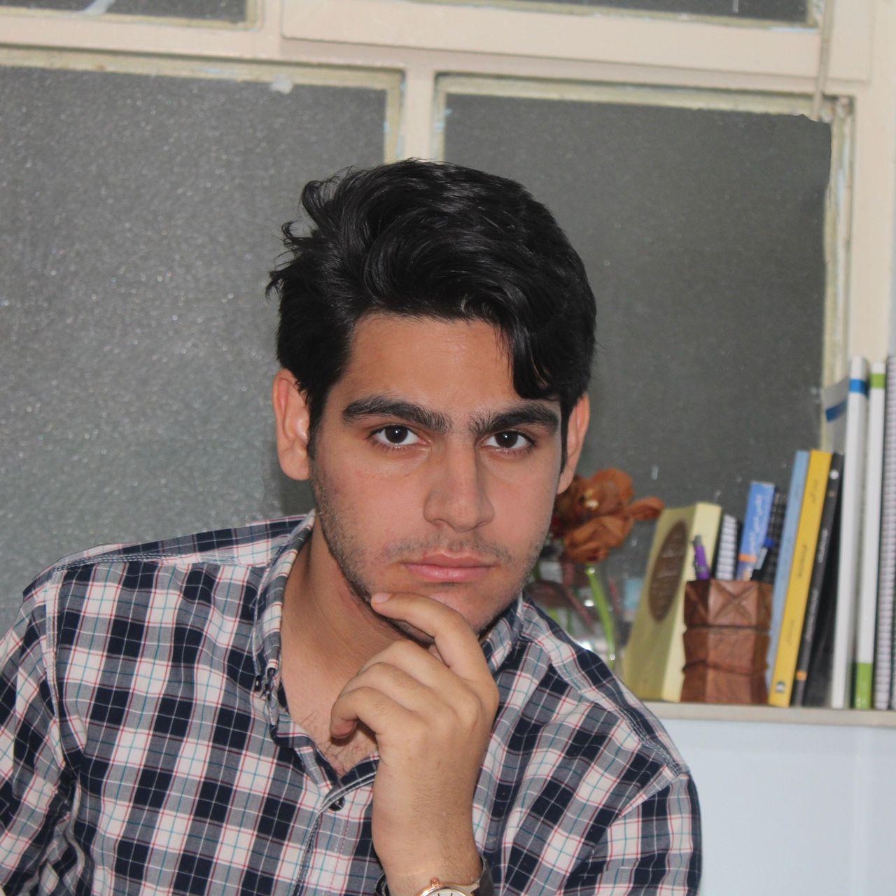 محسن خاوری